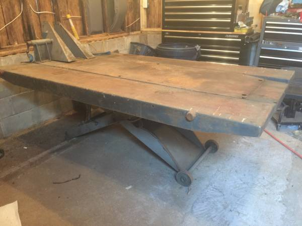 Handy Motorcycle Lift Table For Sale in Arundel, Maine