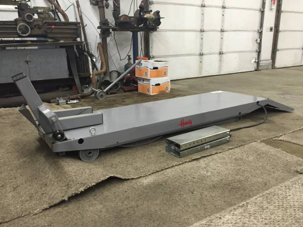 Handy Motorcycle Lift Table For Sale in Swartz Creek, Michigan