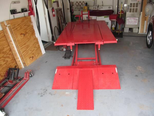 Titan Motorcycle Lift Table For Sale in Daytona Beach, Florida