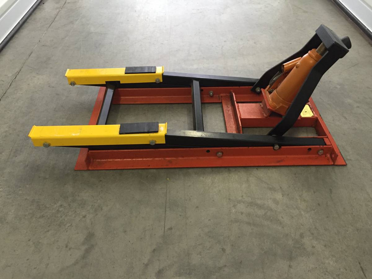 Cal-Products 950 lb Lift Jack For Sale in Greenville ...